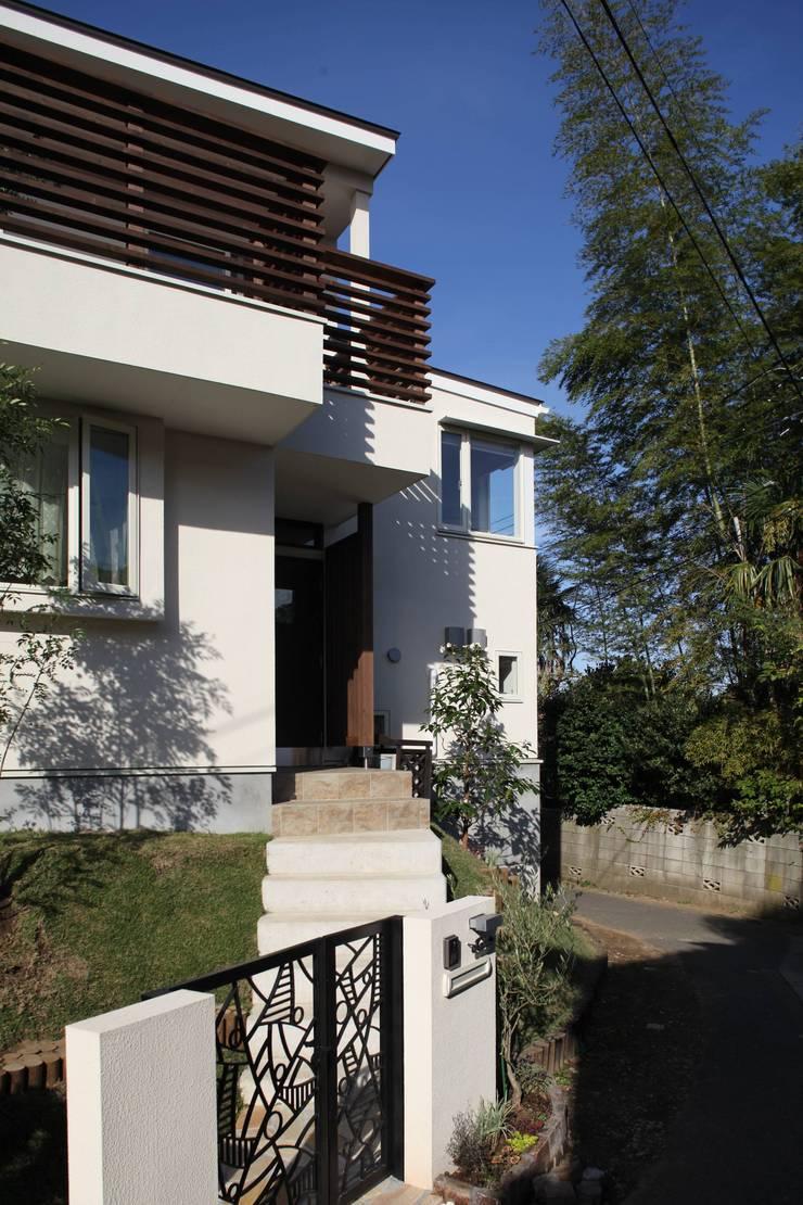 ギャラリーのある家: アトリエグローカル一級建築士事務所が手掛けた家です。