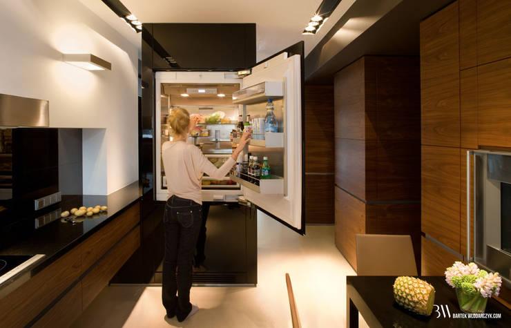 Kitchen by Bartek Włodarczyk Architekt