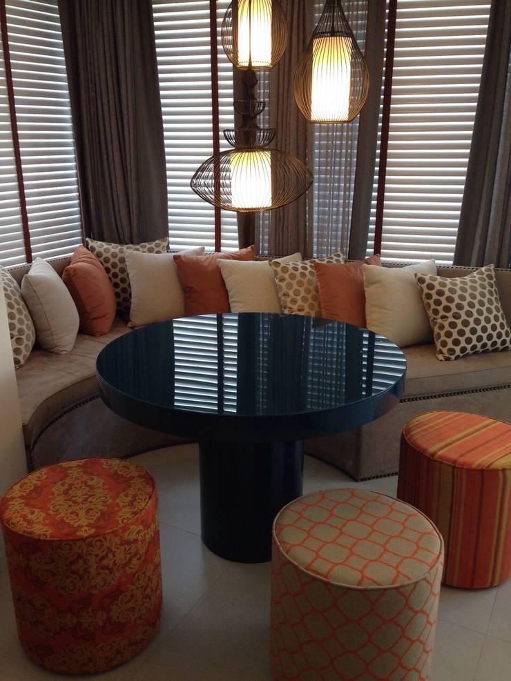 Apartamento Itacorubi Gran Classic 1: Terraços  por ANNA MAYA ARQUITETURA E ARTE,Moderno