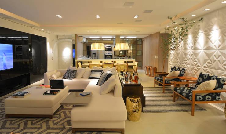 Apartamento Itacorubi Gran Classic 1: Salas de estar  por ANNA MAYA ARQUITETURA E ARTE,Moderno
