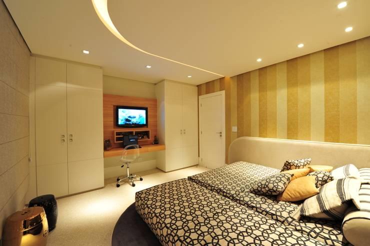 Bedroom by ANNA MAYA & ANDERSON SCHUSSLER
