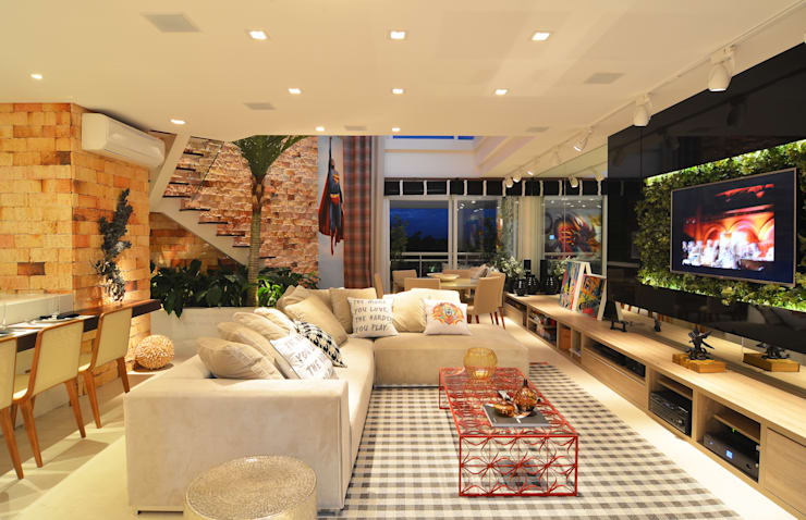 Loft Marine Home Resort: Salas de estar  por ANNA MAYA & ANDERSON SCHUSSLER