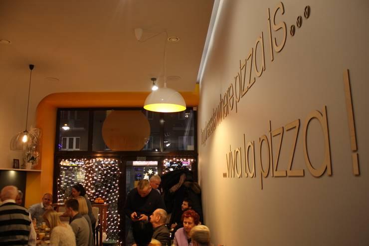 Otwarcie pizzerii : styl , w kategorii Gastronomia zaprojektowany przez Zig Zag