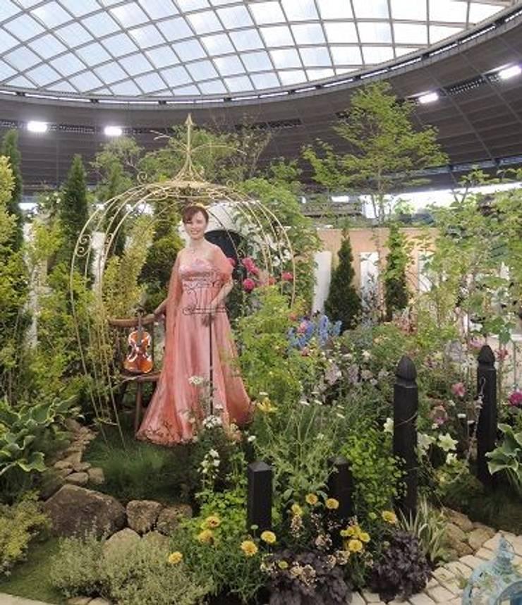 歌庭ユニット 岡本麻里菜プロフィール: 株式会社冬樹庭園が手掛けた庭です。