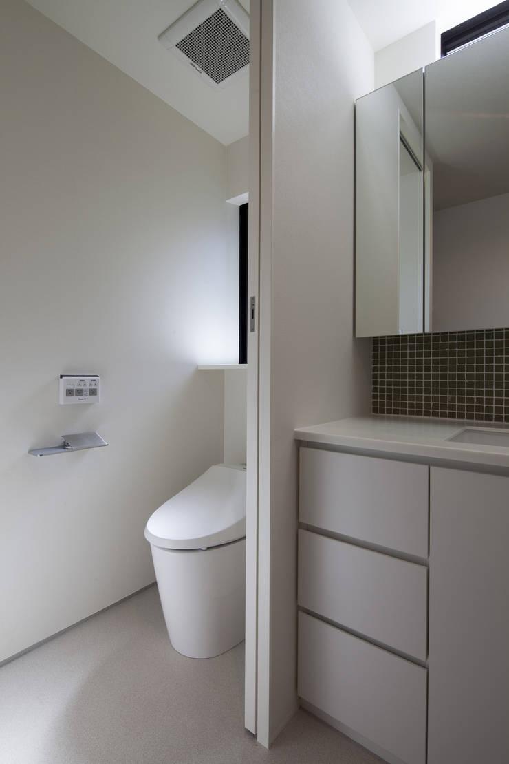 洗面 深沢の家: U建築設計室が手掛けた浴室です。,