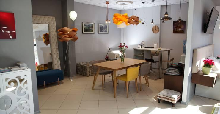 Шоу-рум Новосибирск: Медиа комната в . Автор – Barcelona Design,