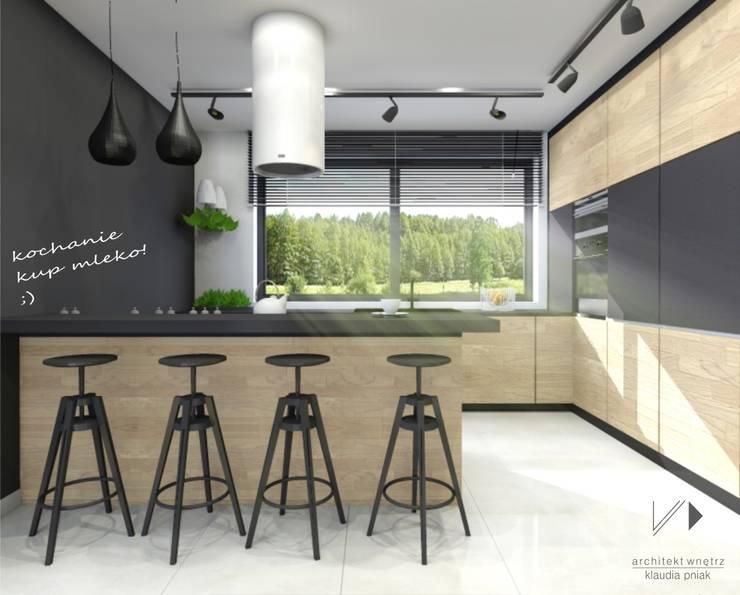 Przestronna kuchnia : styl , w kategorii Kuchnia zaprojektowany przez Architekt wnętrz Klaudia Pniak