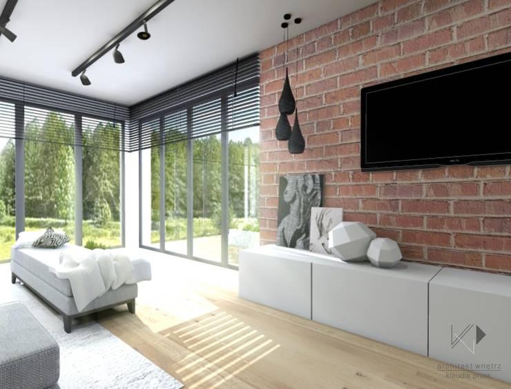 Cegła w salonie : styl , w kategorii Salon zaprojektowany przez Architekt wnętrz Klaudia Pniak