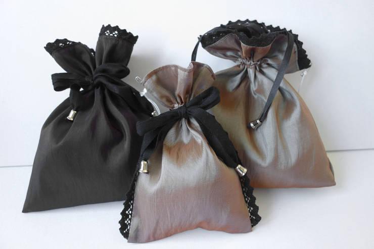 Sakiewki Woreczki Kosmetyczki: styl , w kategorii Garderoba zaprojektowany przez Styl i Wnętrze