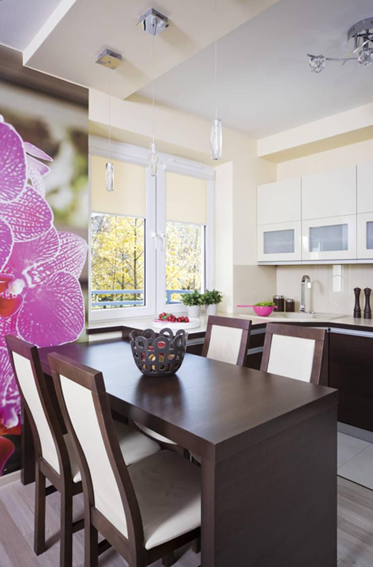 Nowoczesne mieszkanie w Krakowie: styl , w kategorii Kuchnia zaprojektowany przez ARTEMA  PRACOWANIA ARCHITEKTURY  WNĘTRZ ,Nowoczesny