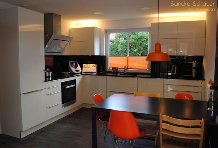 Cocinas de estilo moderno por Sandra Schauer Interior Design
