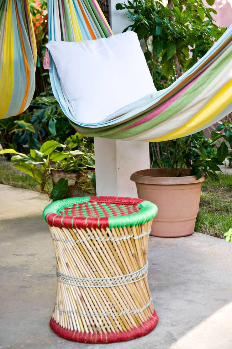 Cabana de verão: Terraços  por Renato Teles Arquitetura