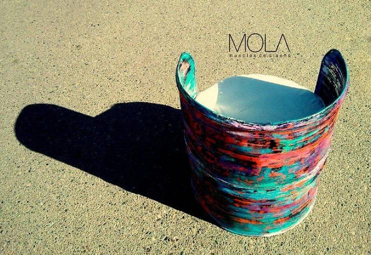 SILLÓN TERRÁQUEO: Arte de estilo  por MOLA
