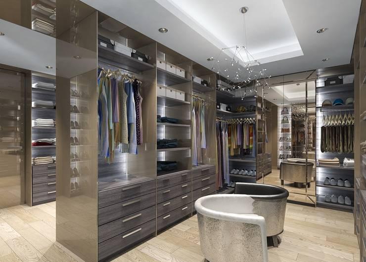 Vestidores y closets de estilo ecléctico por LOFTING
