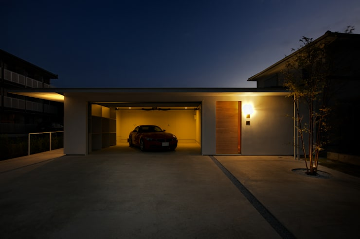 Garage/Rimessa in stile  di Mimasis Design/ミメイシス デザイン