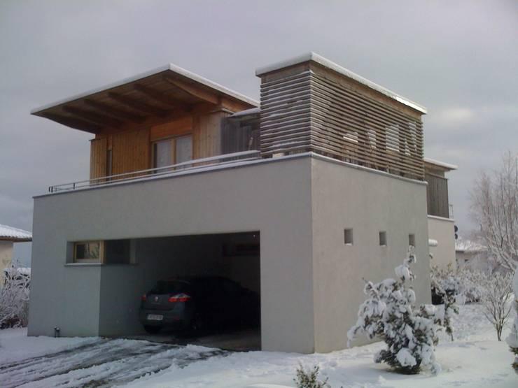 villa afp: Maisons de style  par A.FUKE-PRIGENT ARCHITECTE