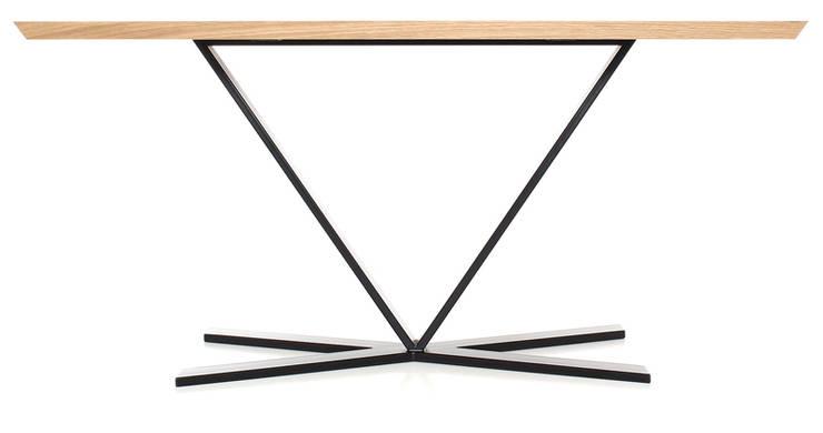 Stół: styl , w kategorii  zaprojektowany przez Atelio,Nowoczesny Drewno O efekcie drewna