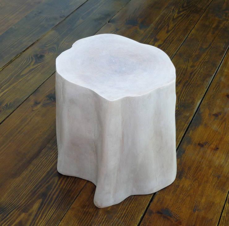 Pieniek bielony - stołek: styl , w kategorii  zaprojektowany przez Atelio,Skandynawski Drewno O efekcie drewna