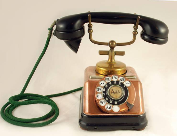 Vintage Telefoon Aktieselskar:   door Smeerling Antiek & Restauratie, Industrieel Koper / Brons / Messing