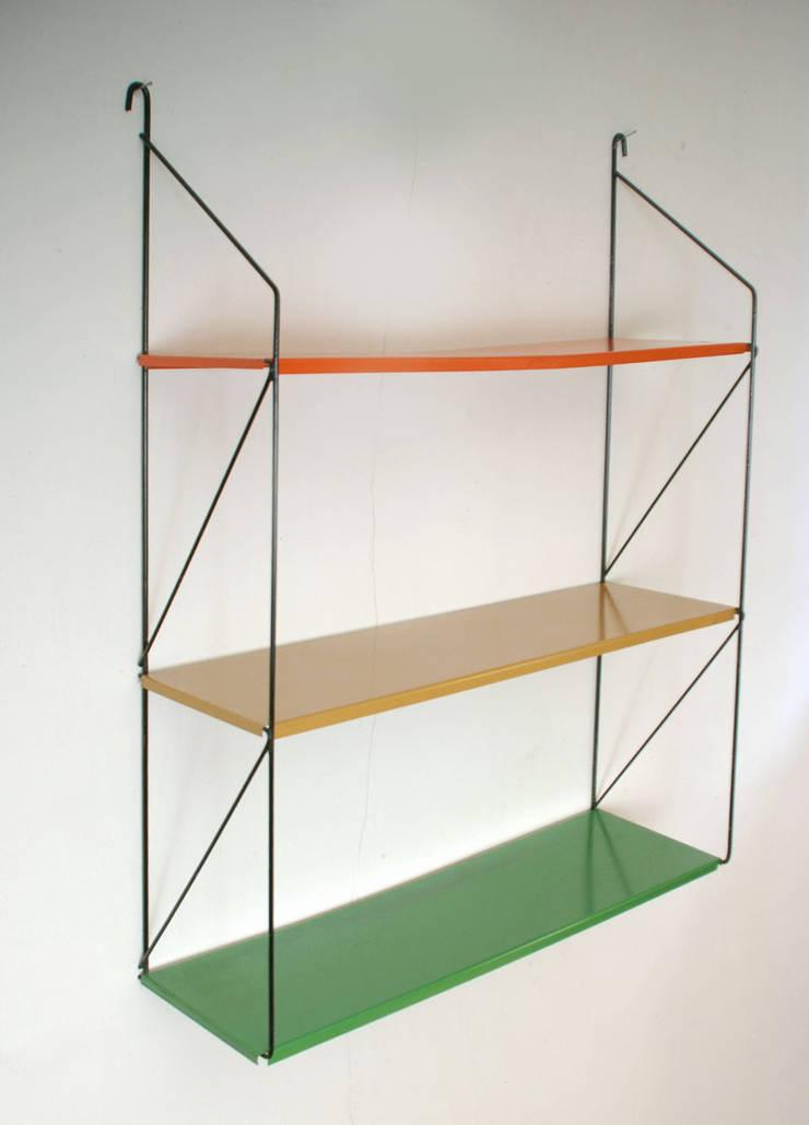 Metalen boekenrek Dutch design:   door Smeerling Antiek & Restauratie, Industrieel