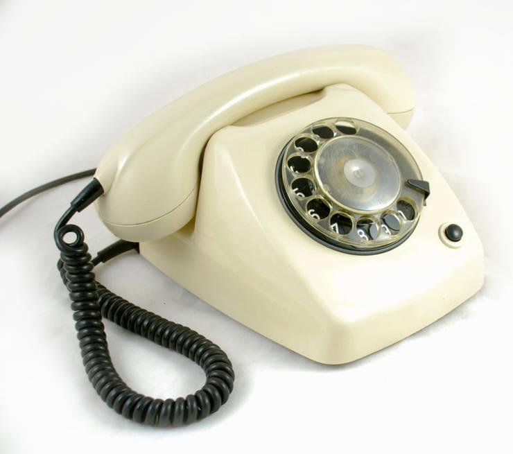 Vintage telefoon ivoor Ericsson jaren 70:  Woonkamer door Smeerling Antiek & Restauratie