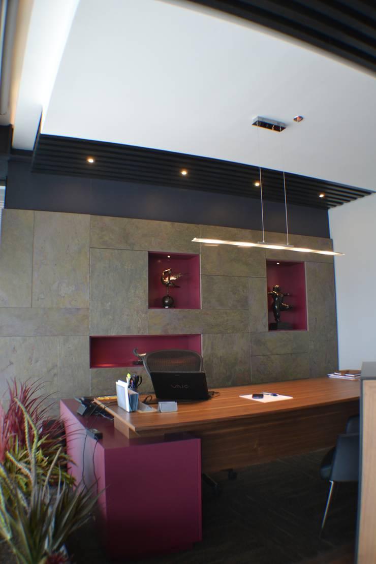 Oficina 3: Oficinas y tiendas de estilo  por Maka Arquitectura
