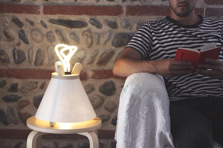 modern Living room تنفيذ Lavu Lamp