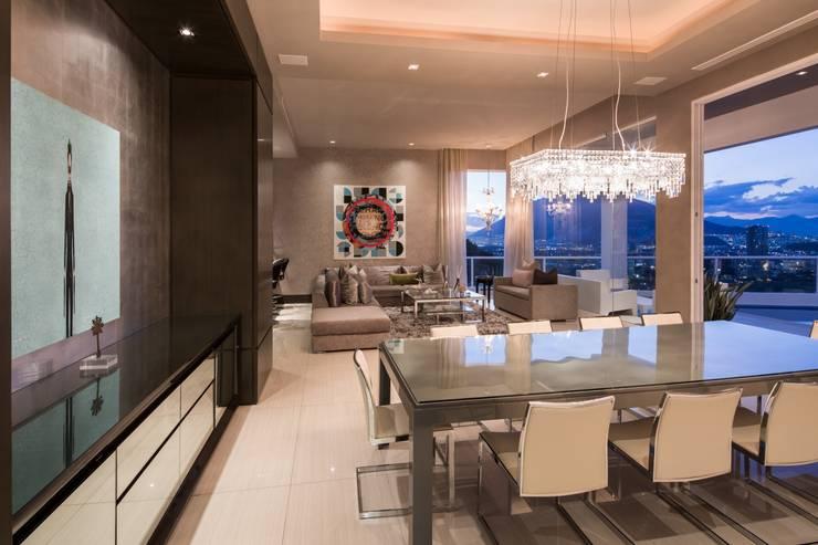 COMEDOR: Comedores de estilo  por Rousseau Arquitectos