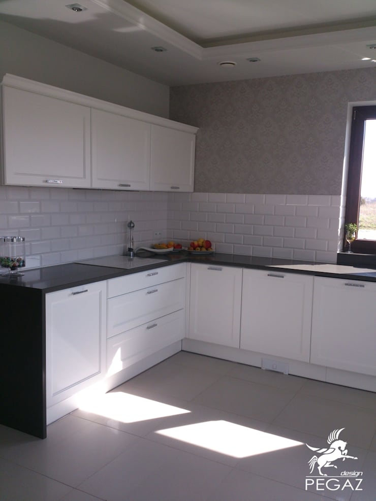 Classic style kitchen by Pegaz Design Justyna Łuczak - Gręda Classic