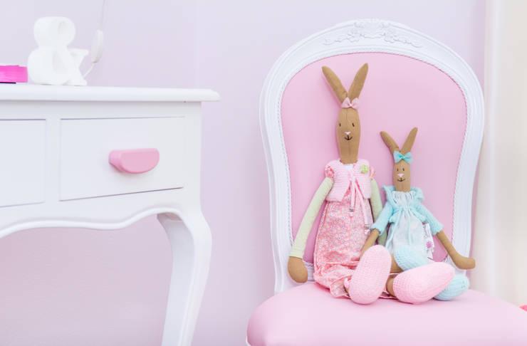 Quarto da Beatriz: Quartos de criança  por Ângela Pinheiro Home Design