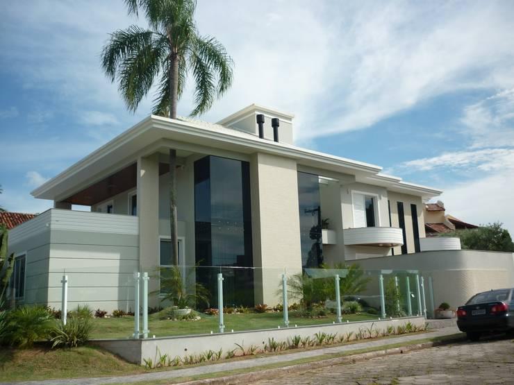 Residência Jardim Anchieta: Casas  por ANNA MAYA ARQUITETURA E ARTE,Clássico Tijolo