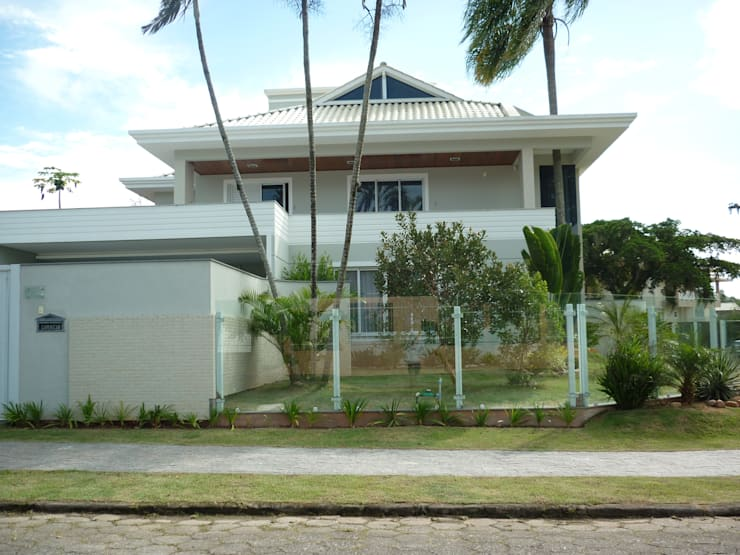 Casas de estilo  por ANNA MAYA & ANDERSON SCHUSSLER