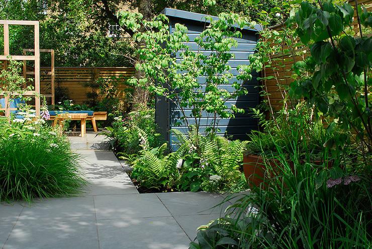 Contemporary Garden Design by London Based Garden Designer Josh Ward:  Garage/shed by Josh Ward Garden Design