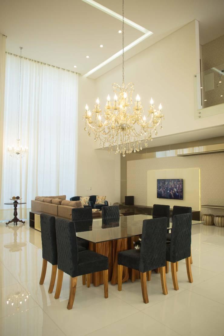 INTERIORES: Salas de estar clássicas por BOULEVARD ARQUITETURA