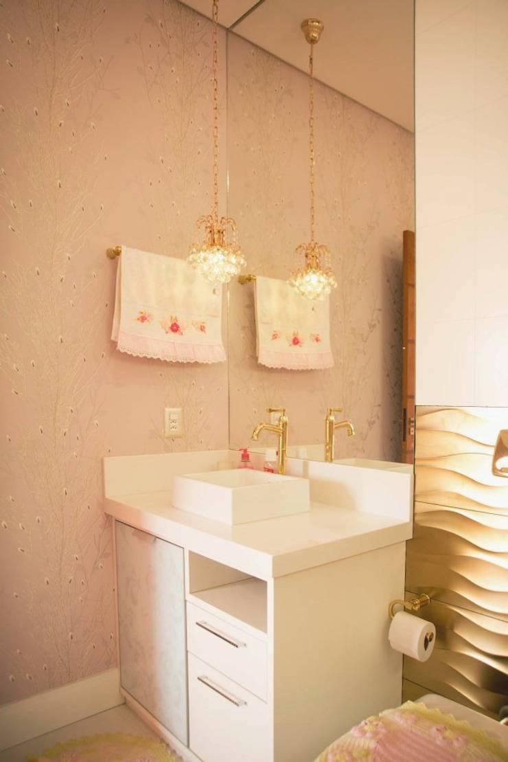 INTERIORES: Banheiros clássicos por BOULEVARD ARQUITETURA