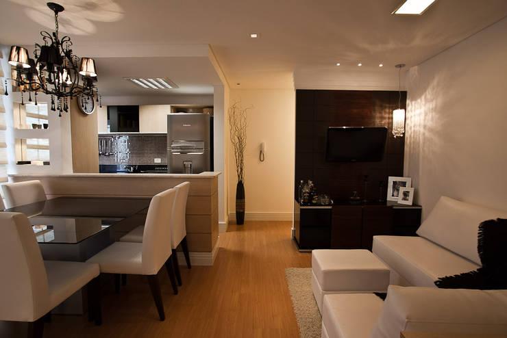 Apartamento : Salas de jantar modernas por RP Arquitetura