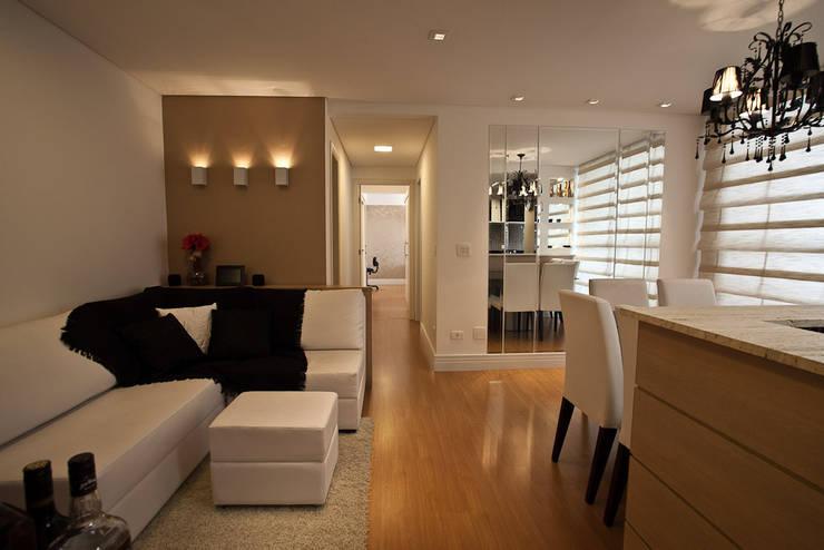 Apartamento : Salas de estar modernas por RP Arquitetura