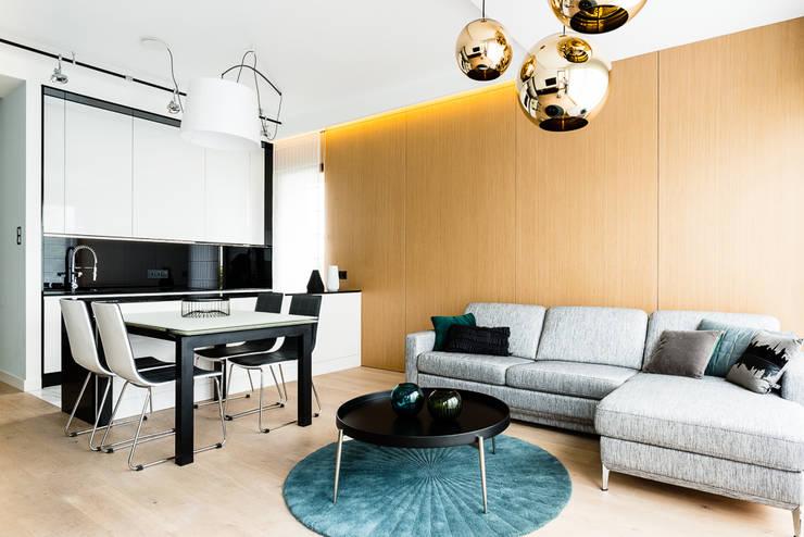mieszkanie prywatne 3 pokoje – Nowe Orłowo – Gdynia : styl , w kategorii Salon zaprojektowany przez Anna Maria Sokołowska Architektura Wnętrz