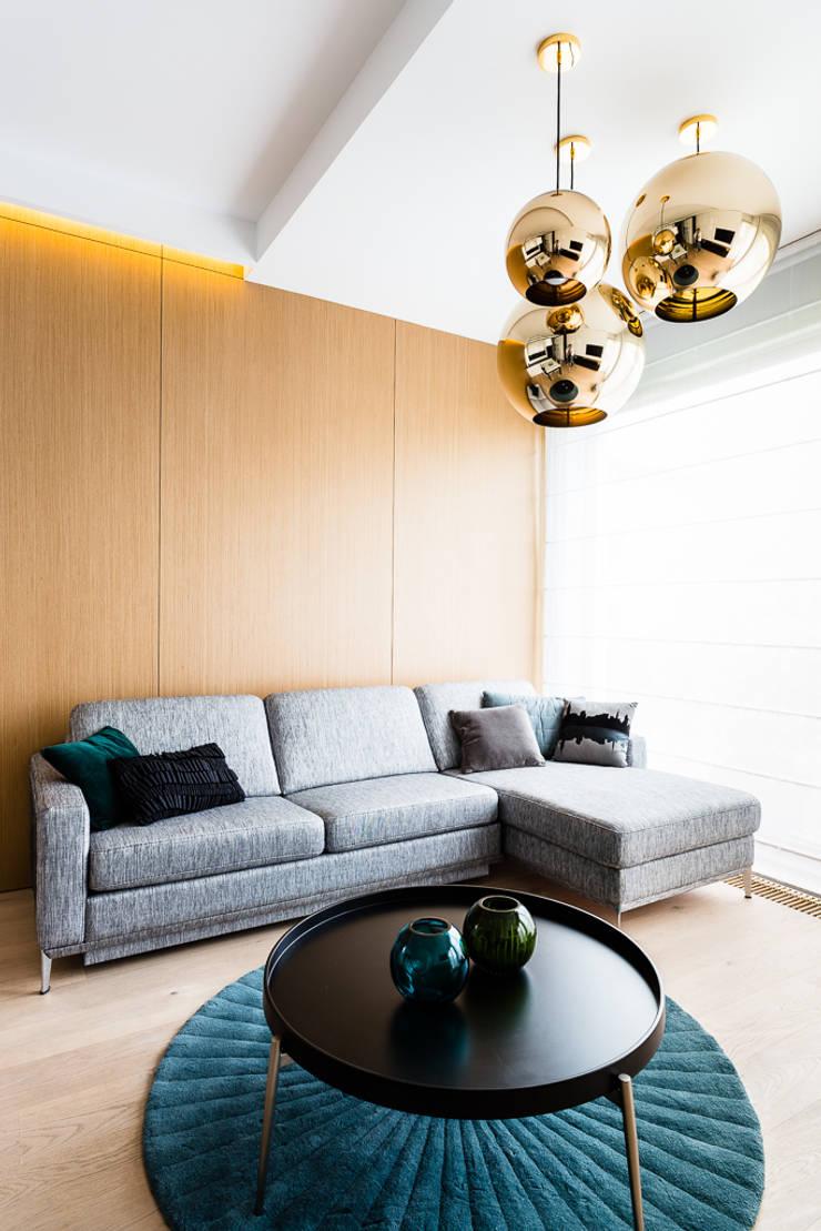mieszkanie prywatne 3 pokoje – Nowe Orłowo – Gdynia : styl , w kategorii Salon zaprojektowany przez Anna Maria Sokołowska Architektura Wnętrz ,