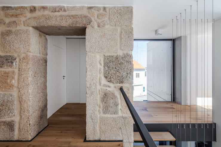 Corridor, hallway by FPA - filipe pina arquitectura
