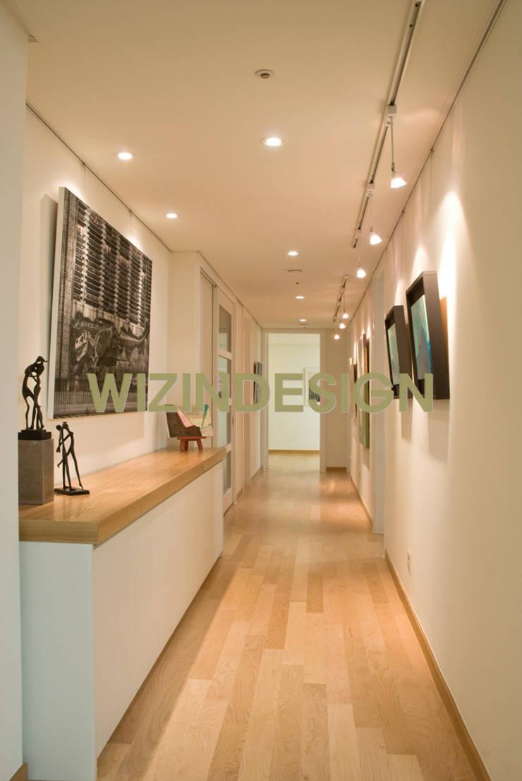 서리풀 47평 아파트 : wizingallery의  복도 & 현관,