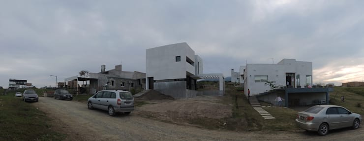 Casa LL: Casas de estilo  por jose m zamora ARQ,
