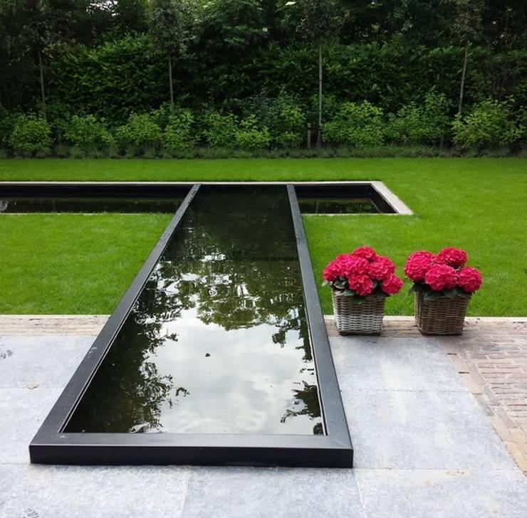 realisations: Jardin de style  par MARTINELLI LUCE