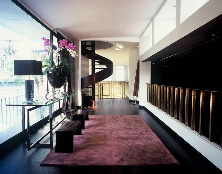 modern Corridor, hallway & stairs by Calvirugs