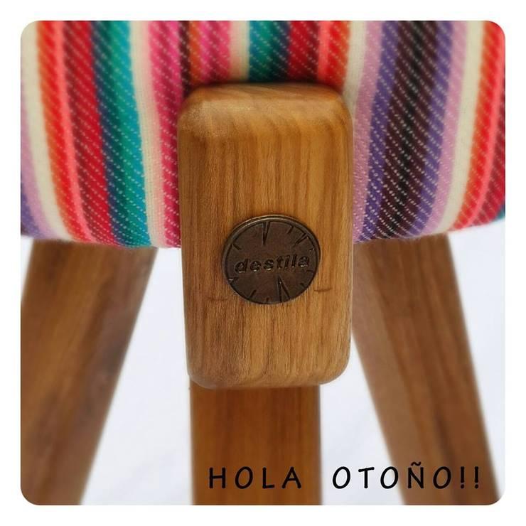 Sillas, taburetes y sillones: Livings de estilo moderno por michelleimar