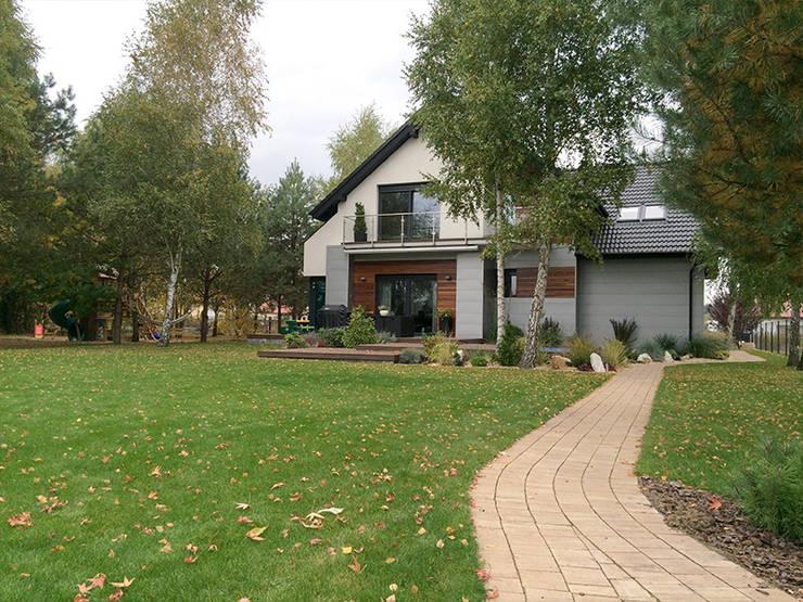 Casas modernas por Biuro Projektów MTM Styl - domywstylu.pl