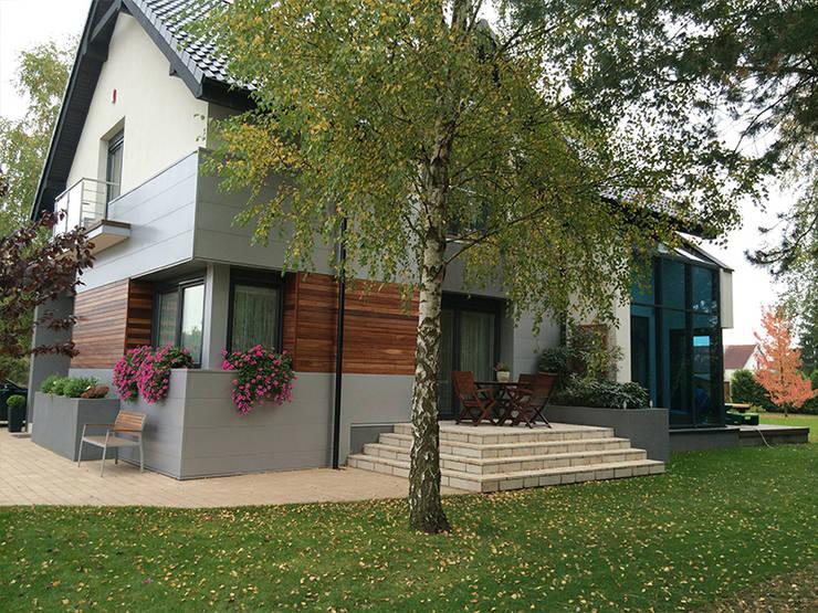 Realizacja projektu Jaspis: styl , w kategorii Domy zaprojektowany przez Biuro Projektów MTM Styl - domywstylu.pl