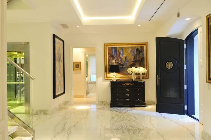 Casa Tortugas: Dormitorios de estilo moderno por JUNOR ARQUITECTOS