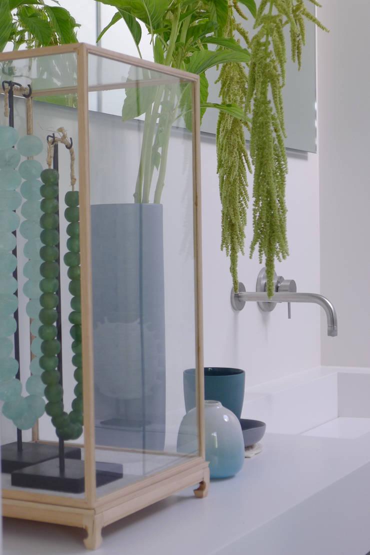Baños de estilo  de Baden Baden Interior, Moderno