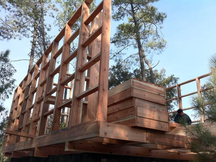 Sistema de Montagem em bastidores modulares estruturais:   por NORMA | Nova Arquitectura em Madeira (New Architecture in Wood)